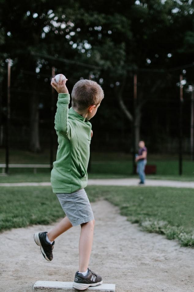 #52 重たいボールでトレーニングをしたら、球速はアップするが、ケガのリスクも増える?!